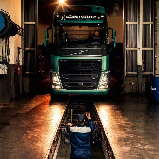 замена масла грузовиков